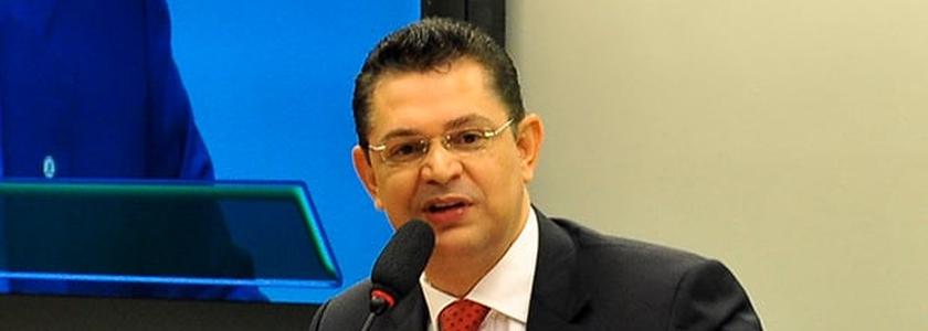 Sóstenes Cavalcante é deputado federal pelo PSD-RJ e preside a Comissão Especial que está analisando o Estatuto da Família na Câmara