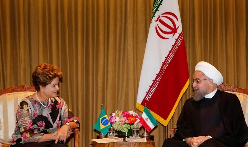 A Presidente do Brasil, Dilma Roussef, com o Presidente do Irã, Hassan Rohani, em Nova York (EUA). (Foto: Roberto Stuckert Filho/PR)
