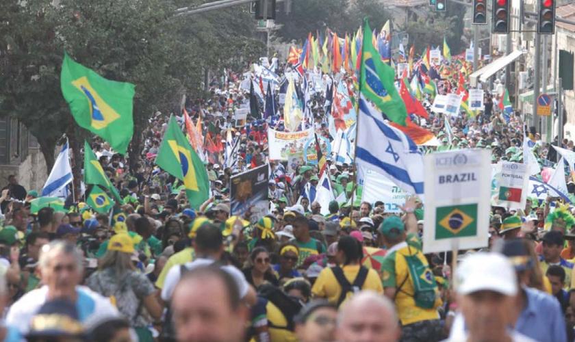 Brasileiros estiveram entre os participantes de marcha na Festa dos Tabernáculos em Jerusalém. (Foto: Marc Israel Sellem/The Jerusalem Post)