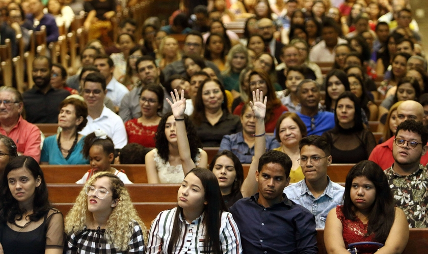 Culto no Templo Central da Assembleia de Deus, em Belém (PA). A região Norte é a que tem a maior proporção de evangélicos. (Foto: Thiago Gomes/Folhapress)