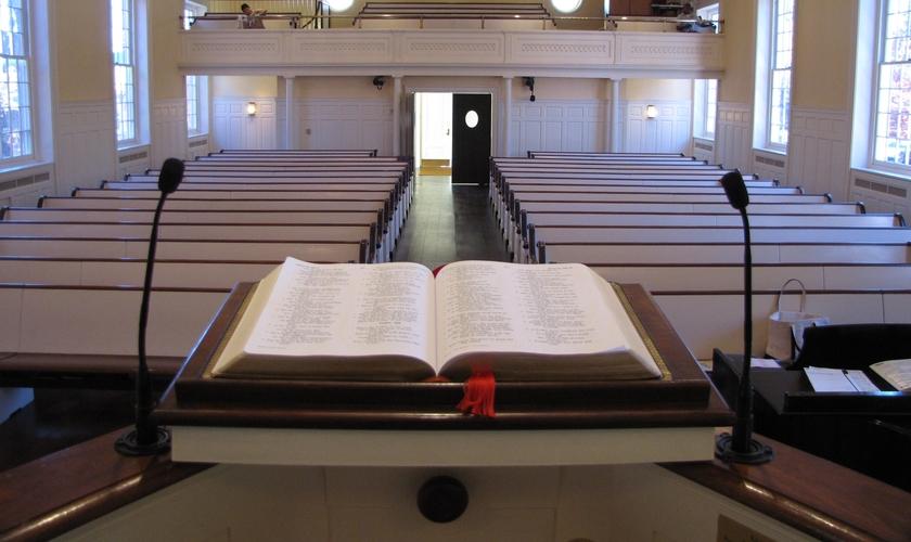 Decretos obrigaram igrejas em todo o Brasil a permanecerem fechadas, com cultos cancelados. (Foto: Getty Immages)