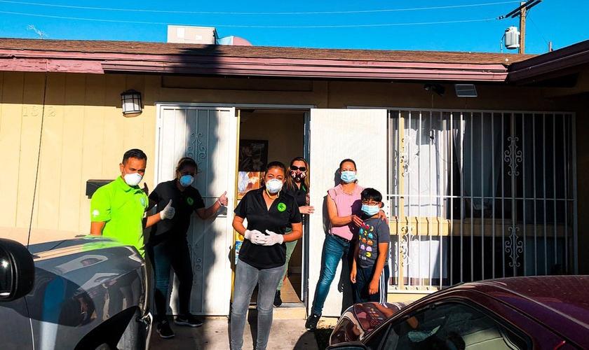 A igreja hispânica Aguilas CFC tem sido parte de uma onda de generosidade nos EUA. (Foto: Aguilas CFC)