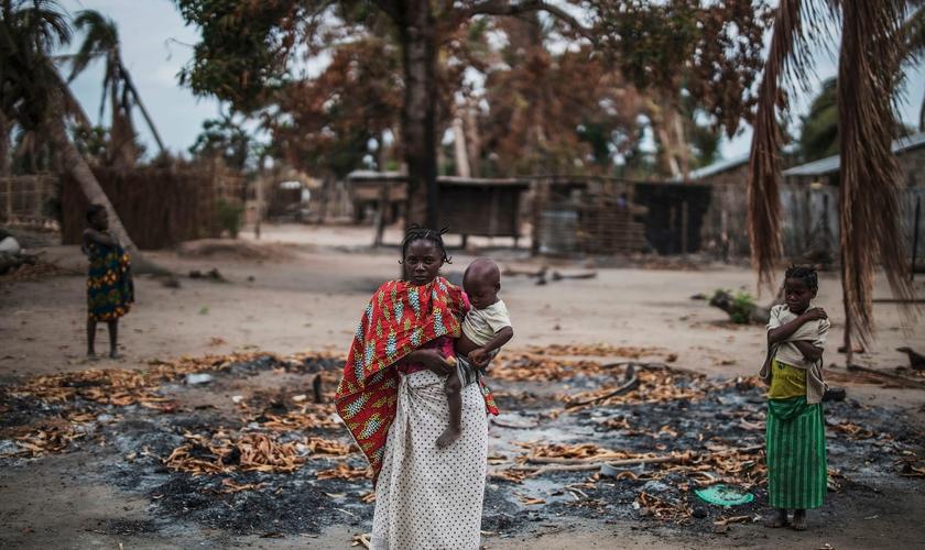 O aumento da insurgência islâmica no norte de Moçambique tem afetado famílias. (Foto: Marco Longari/AFP via Getty Images)