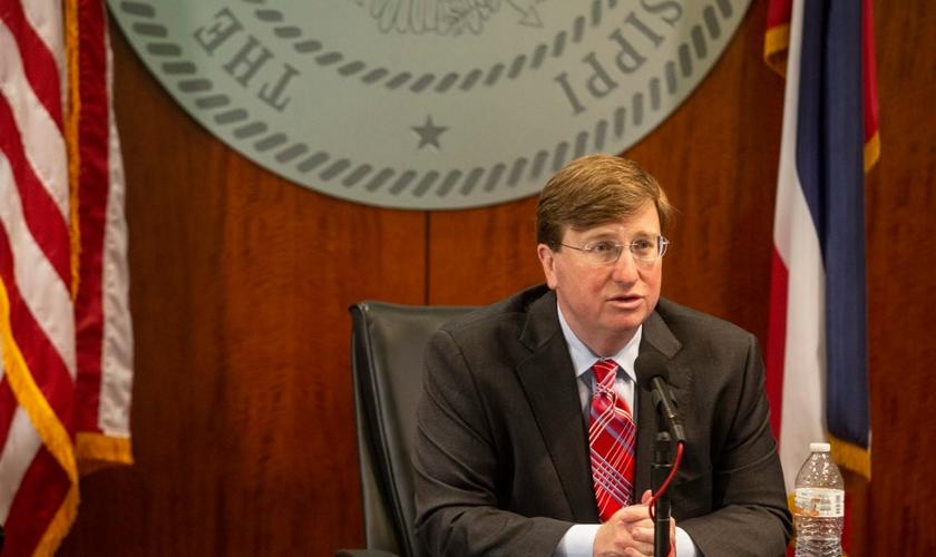 O governador Tate Reeves decretou um dia de jejum e oração. (Foto: Eric J. Shelton/Mississippi Today)
