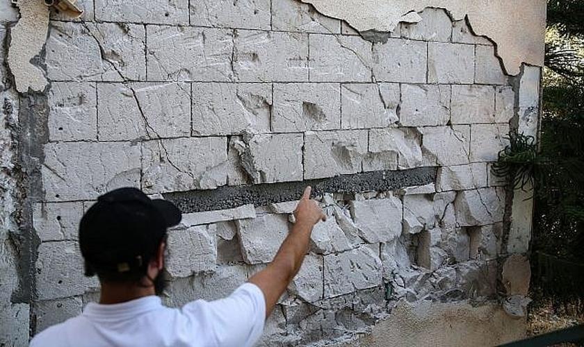 Danos causados a casas na cidade de Tiberíades, no norte de Israel, depois que terremotos sacudiram a região em 9 de julho de 2018. (Foto: David Cohen/Flash90)