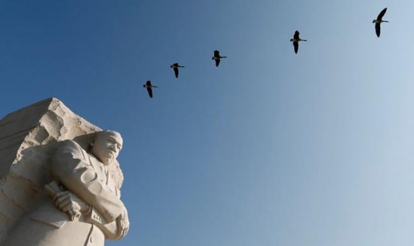 Estátua de gesso, em homenagem a Martin Luther King Jr.