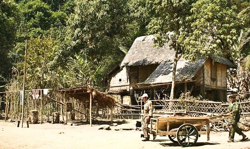 Aldeia no Laos