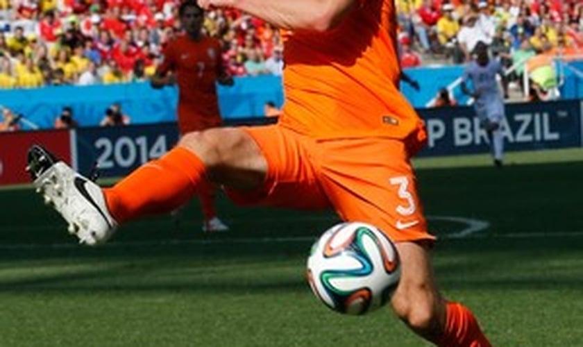 Stefan De Vrij atuou contra o Chile nesta segunda