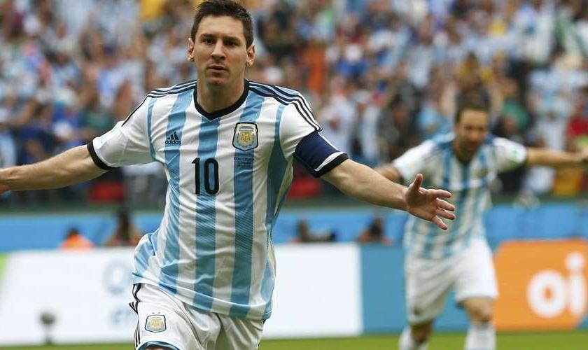 Messi abre o placar para a Argentina, contra a Bósnia, no Estádio Beira-Rio, em Porto Alegre