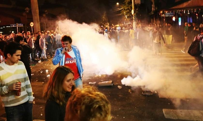 Confusão ocorreu durante a festa de torcedores argentinos na Vila Madalena, na Zona Oeste de São Paulo