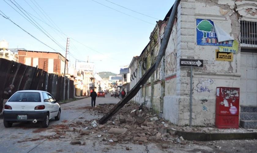 Em San Marcos, na Guatemala, terremoto provocou estragos e matou ao menos duas pessoas