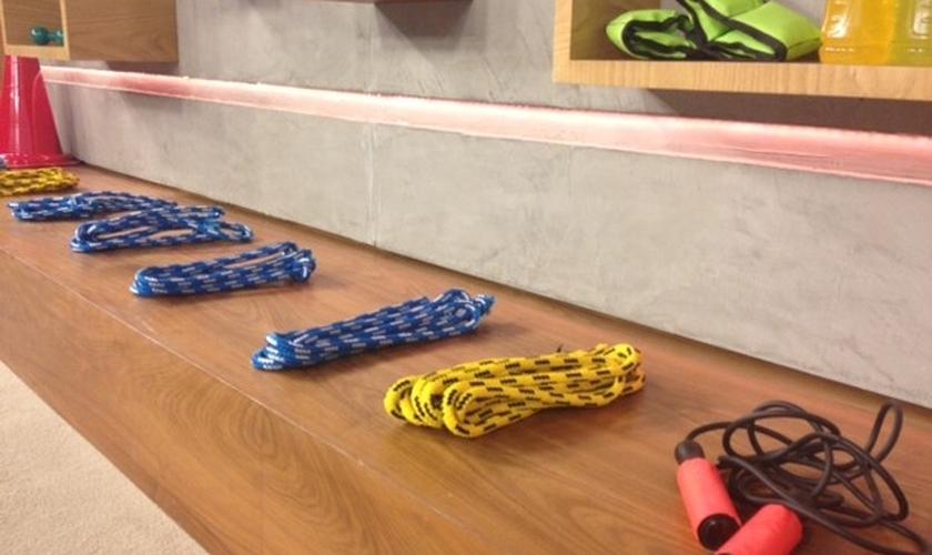 Médico do esporte e educadora física deram dicar de exercícios nesta sexta-feira