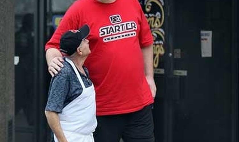 Homem mais alto do Canadá fará o papel de Golias em novo filme sobre Davi