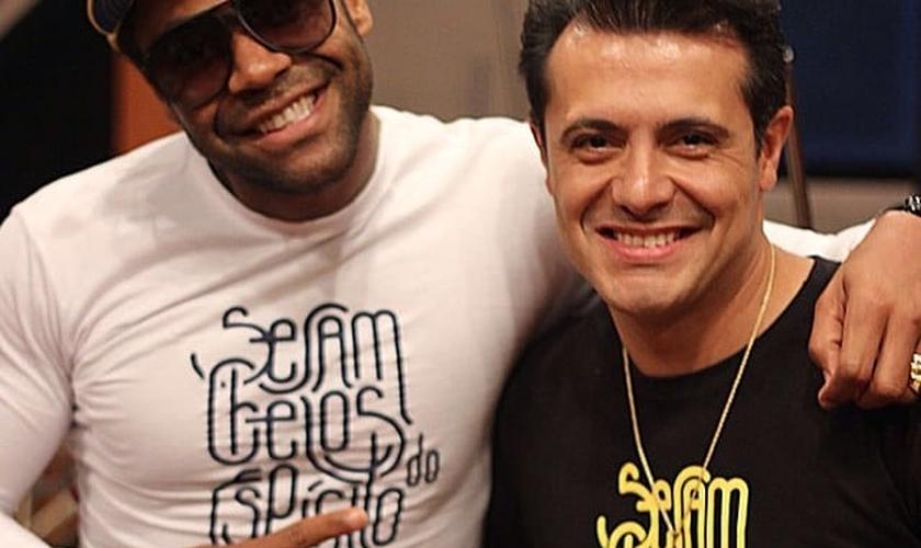 Marcelo Aguiar e Thalles lançam clipe juntos; assista