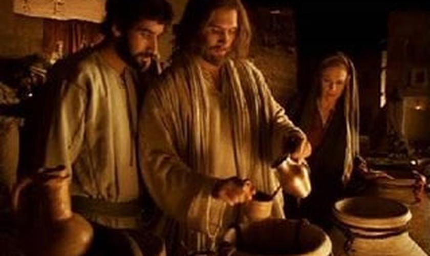Jesus é Deus: A transformação da água em vinho explicada cientificamente