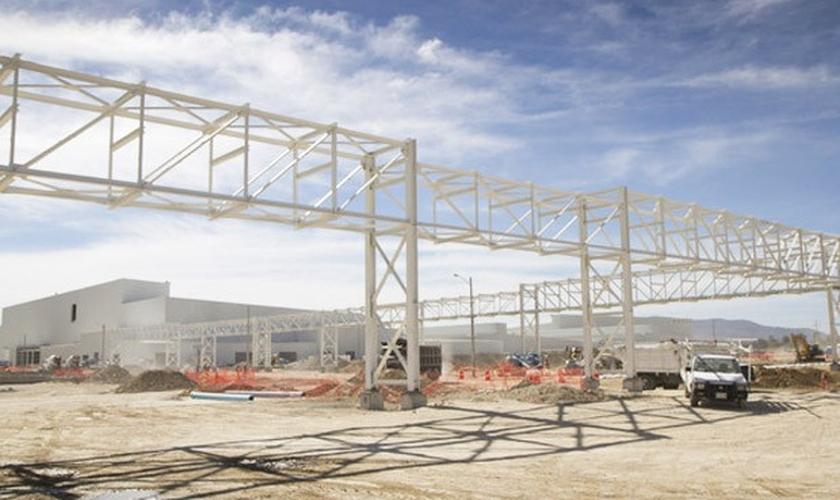Construção da fábrica da Nissan em Aguascalientes, na região onde indústria automobilística predomina; planta é uma das 3 inauguradas no país em menos de 1 ano
