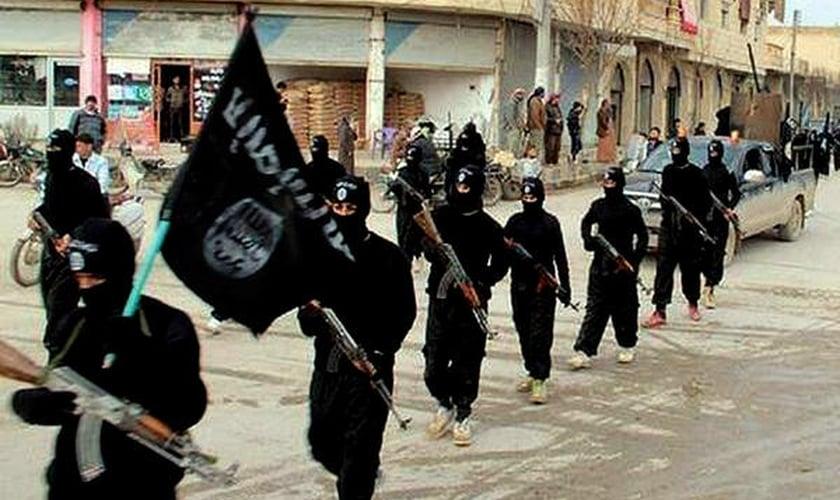 O que é o ISIS? 4 fatos importantes Sobre este grupo terrorista que está atuando no Iraque