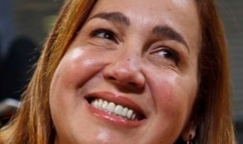 Cláudia Jimenez está de volta à telinha ao lado de Rafael Zulu e Marcos Breda