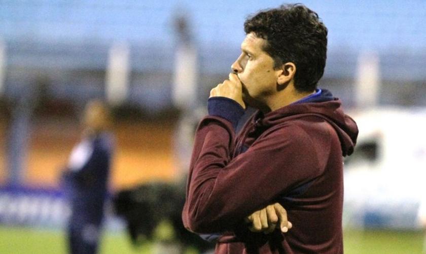 Claudinei Oliveira é o novo técnico do Atlético-PR