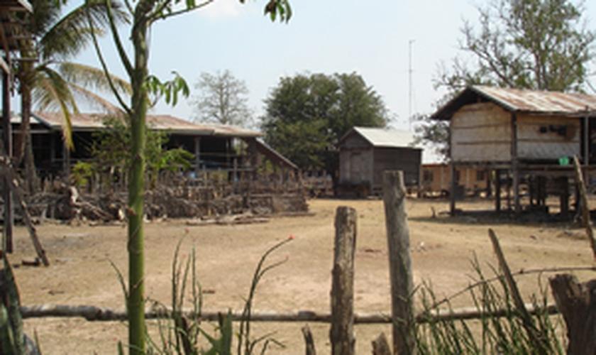 Laos_vilarejo