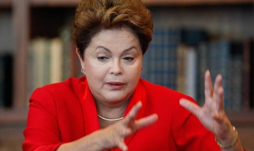 Dilma prepara estratégia para conquistar evangélicos no segundo turno