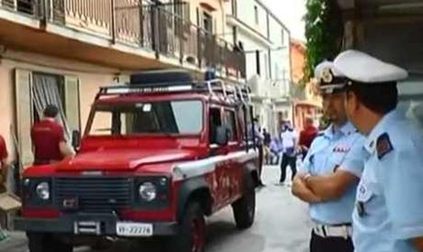 """Na Itália, incêndios misteriosos assustam moradores e padre comenta: """"obra do demônio"""""""