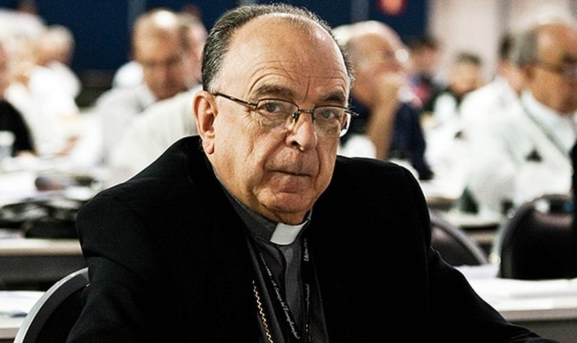 Presidente da CNBB diz que não defendeu aceitação de união gay