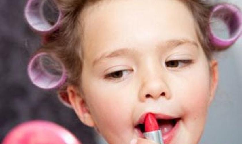 Serviços especializados em beleza oferecem tratamentos para crianças