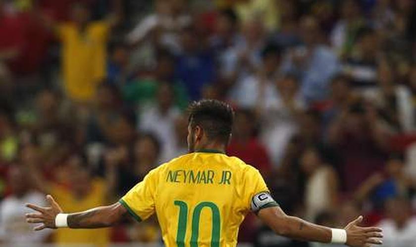 Camisa 10 e capitão, Neymar chegou a 40 gols pela Seleção e ultrapassou Bebeto