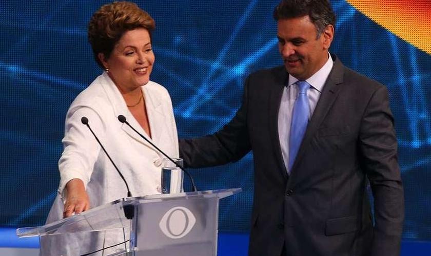 Ao final do debate, Dilma e Aécio voltaram a se cumprimentar