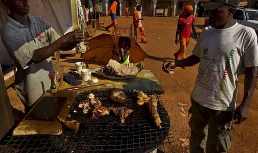 Carne de animais silvestres é bastante comum em países africanos que não têm recursos