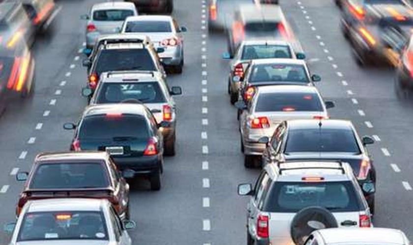 Se o motorista for reincidente no período de até 12 meses, será aplicada uma multa com o dobro do valor multiplicado