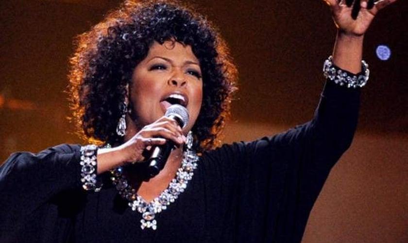 Vencedora do Grammy Awards, CeCe Winans se apresentará no Funeral de Myles Munroe
