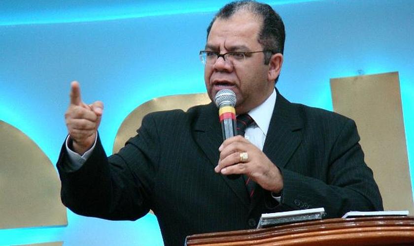 Josué Gonçalves é pastor sênior do Ministério Família Debaixo da Graça - Assembleias de Deus em Bragança Paulista (SP).