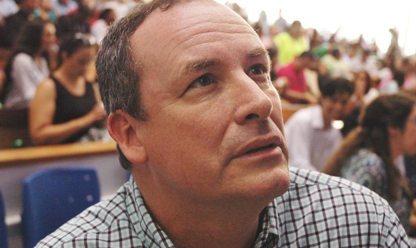 Pastor Woody Butler, da Life Church Charleston, na Escola Profética conduzida pelo Ministério Joel Engel em Campinas (SP).