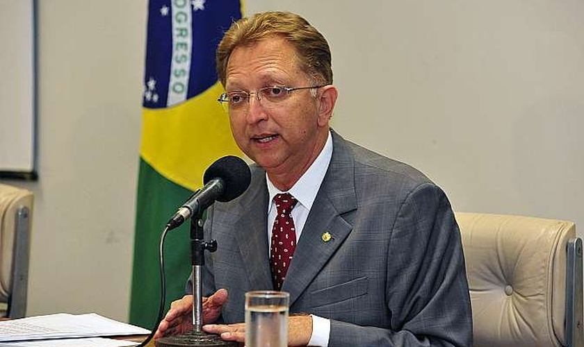 O deputado João Campos (PSDB-GO) foi eleito, por unanimidade, o novo presidente da Frente Parlamentar Evangélica do Congresso Nacional.