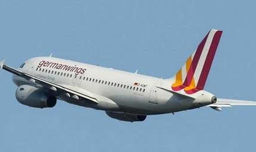 acidente aéreo na França