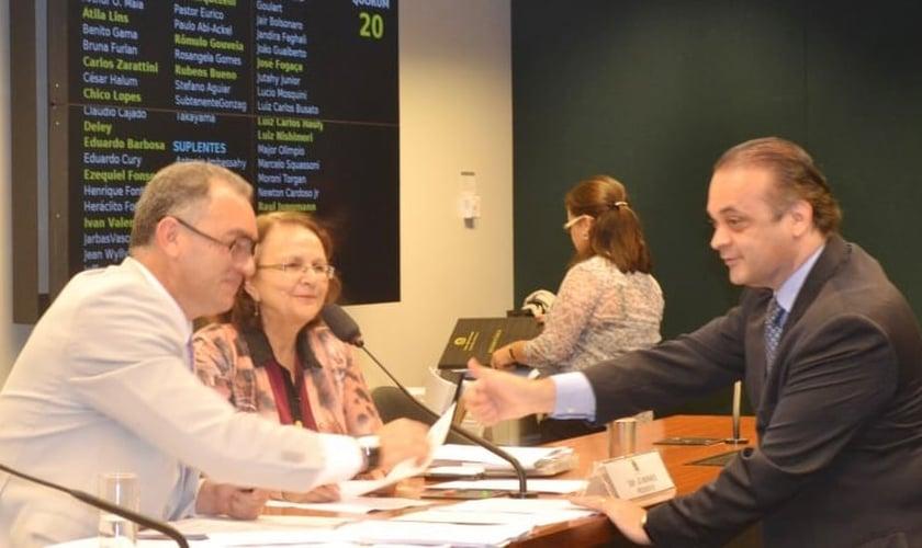 Roberto de Lucena na Comissão de Relações Exteriores e Defesa Nacional/