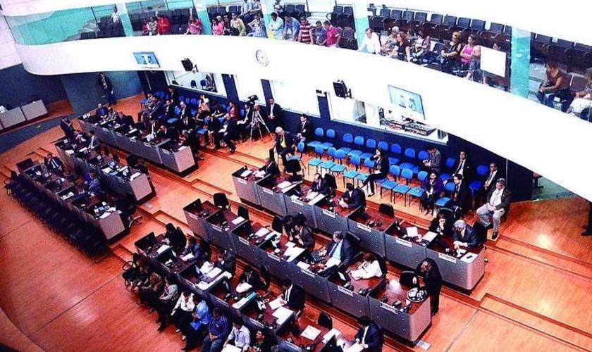 Projetos geram debates na Câmara Municipal de Manaus.