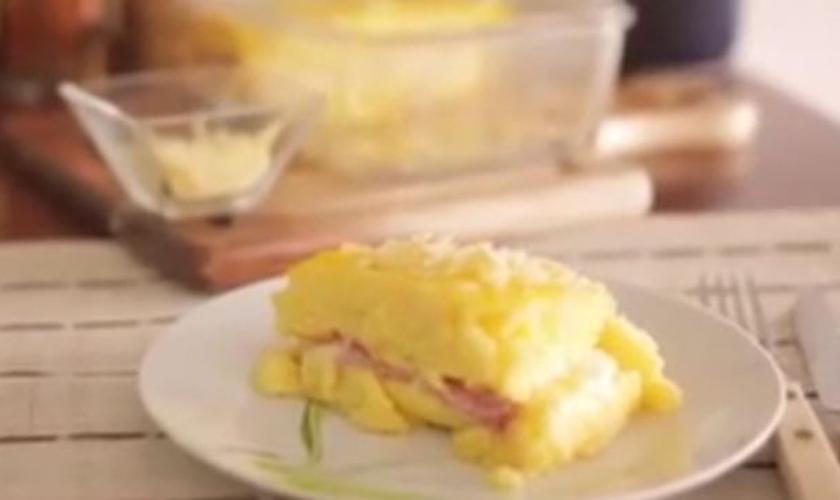 Polenta recheada de presunto e queijo