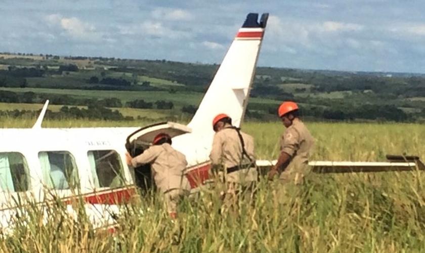 Resgate no avião de Angélica e Luciano Huck