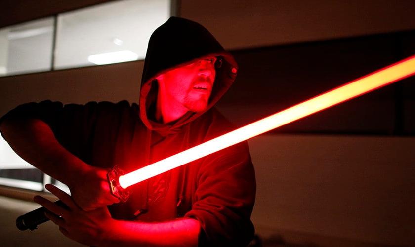 """Na série, os Jedi formam uma ordem de guardiões que dominam o lado """"iluminado"""" da força, em contraposição aos Sith. (Foto: Charles Platiau)"""