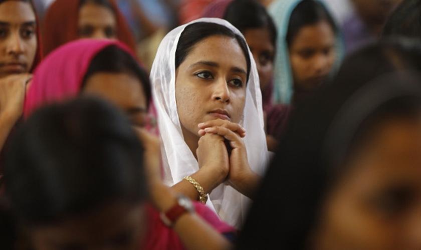 Os cristãos têm a maior taxa de suicídio (17,4) em comparação com os hindus (11,3) — sendo que a média nacional é de 10,6. (Foto: Reuters)