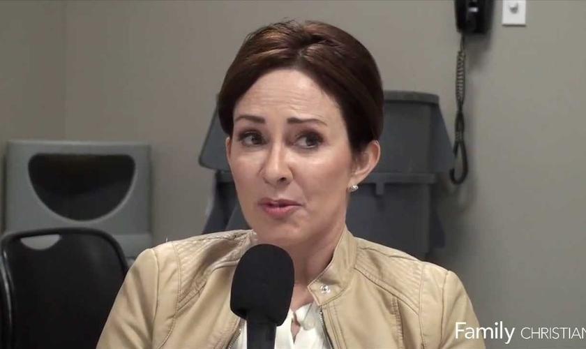 O post de Heaton vinha com o link para um vídeo com depoimentos daqueles que receberam ajuda do centro de gravidez. (Foto: Reprodução).