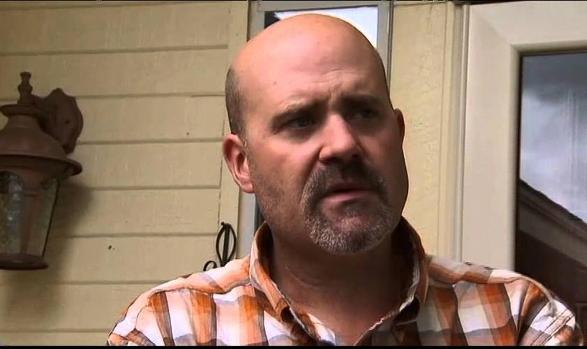 Brandon Bevers disse que está disposto a perdoar a pessoa que assassinou sua esposa, mas pediu que o autor do crime se entregue à polícia. (Imagem: Youtube / Reprodução)