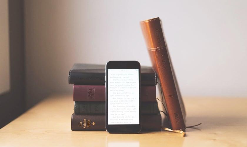Mais de 1,5 milhão de Bíblias foram distribuídas a brasileiros nas versões digitais. (Foto: Reprodução)