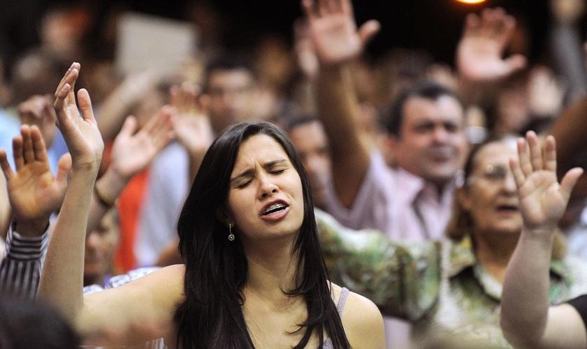 Uma nova organização religiosa é aberta por hora no Brasil. (Foto: AFP/Getty Images)