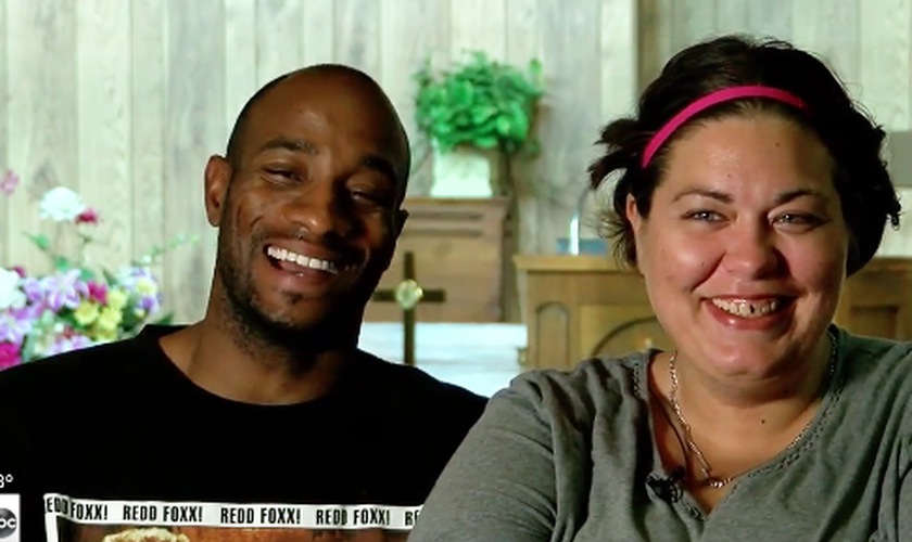 Patrick e Sabrena se conheceram há cerca de um ano e estão decididos a se casar. (Foto: Reprodução/KTUL-TV)