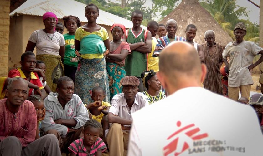 Atuação da MSF em país da África na luta contra o ebola. (Foto: Médicos Sem Fronteiras)