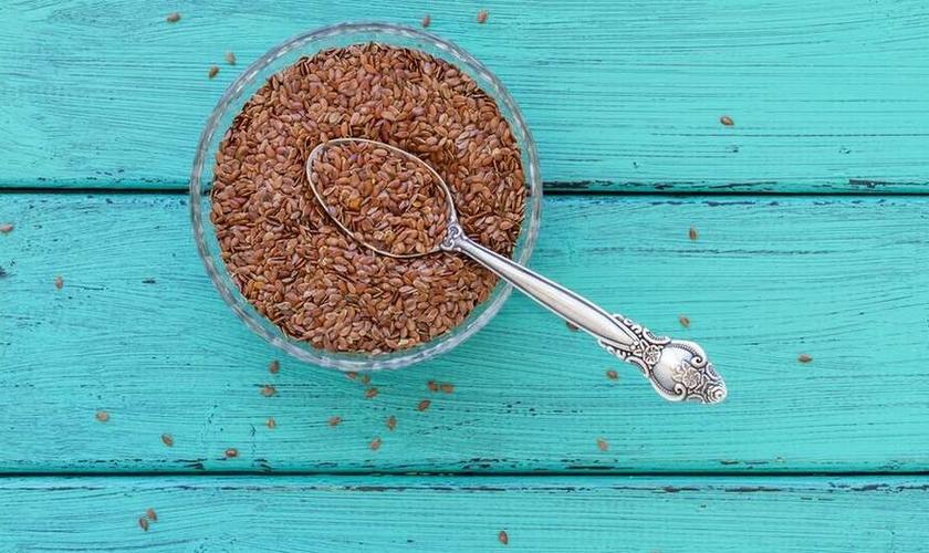 Certos hábitos alimentares podem ser melhorados numa dieta saudável. (Foto: Getty Images)